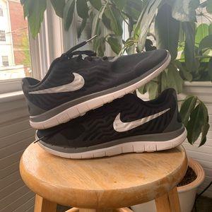 Nike Barefoot Ride 4.0 Running Sneakers